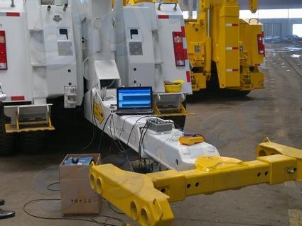 鲁峰清障车动态应力测试中使用了本设备